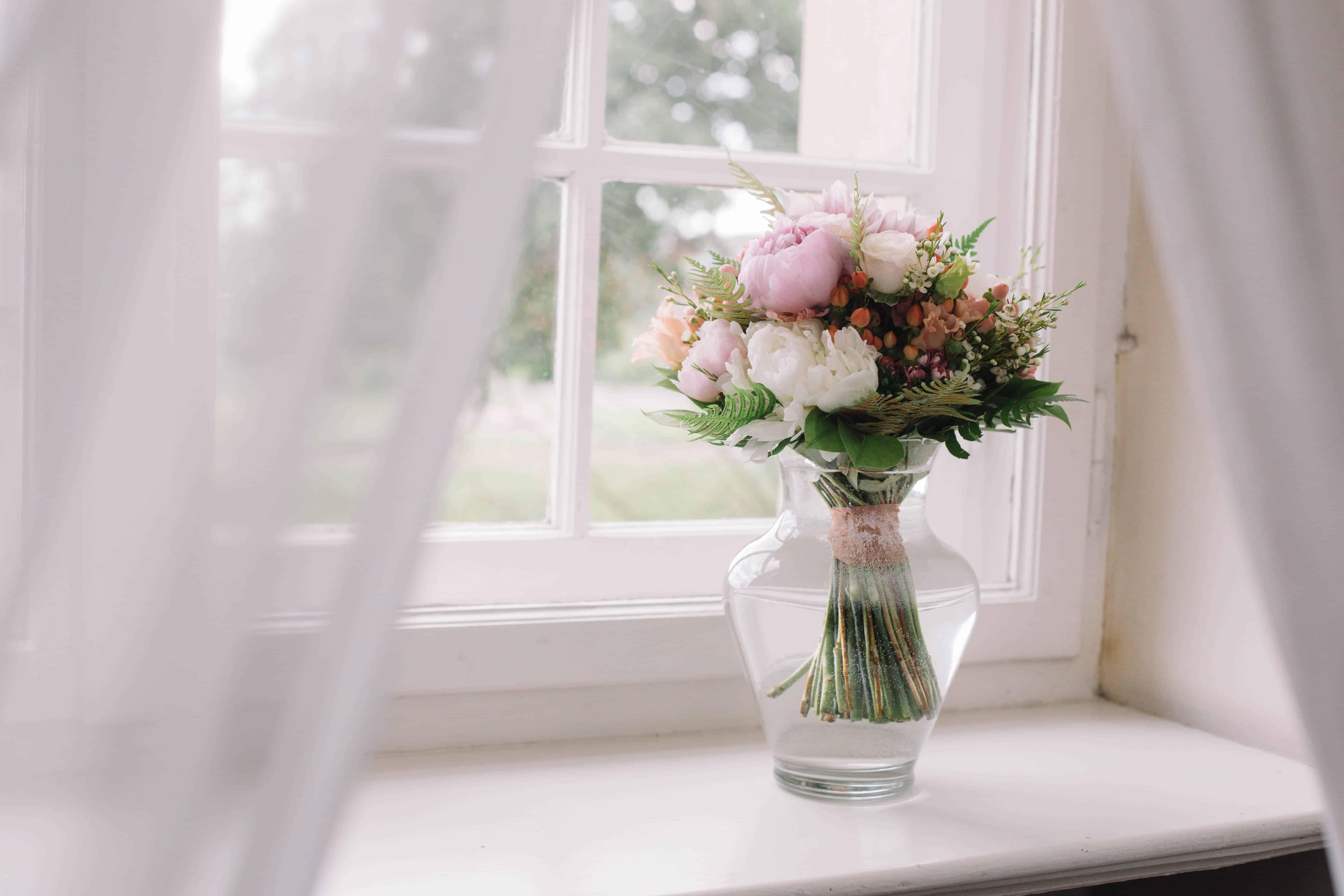 Tips när du putsar speglar och fönster